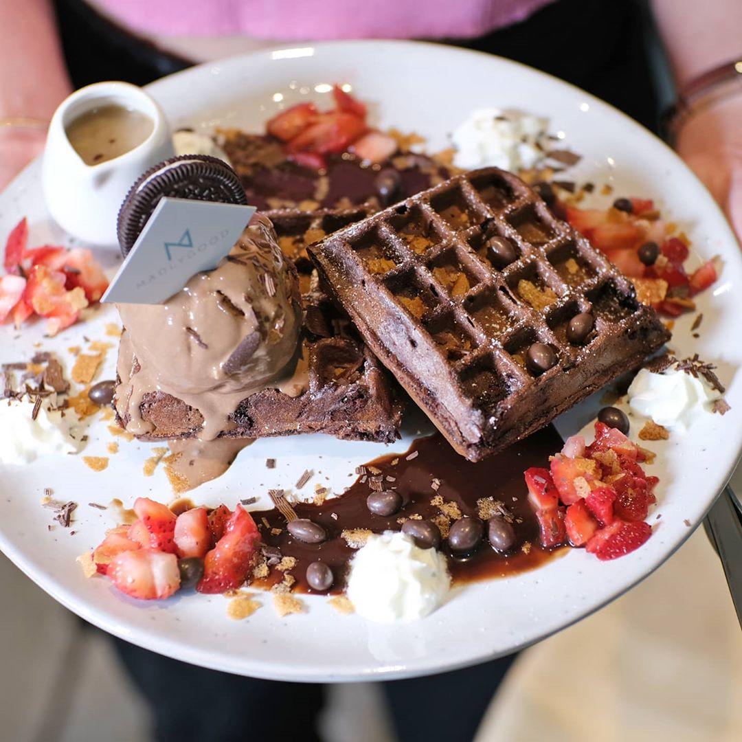 MADLYGOOD Waffles Ice Cream