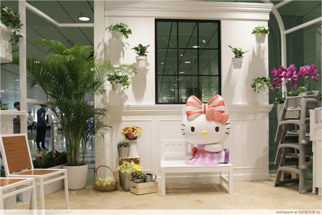 Hello Kitty Cafe Interior 4