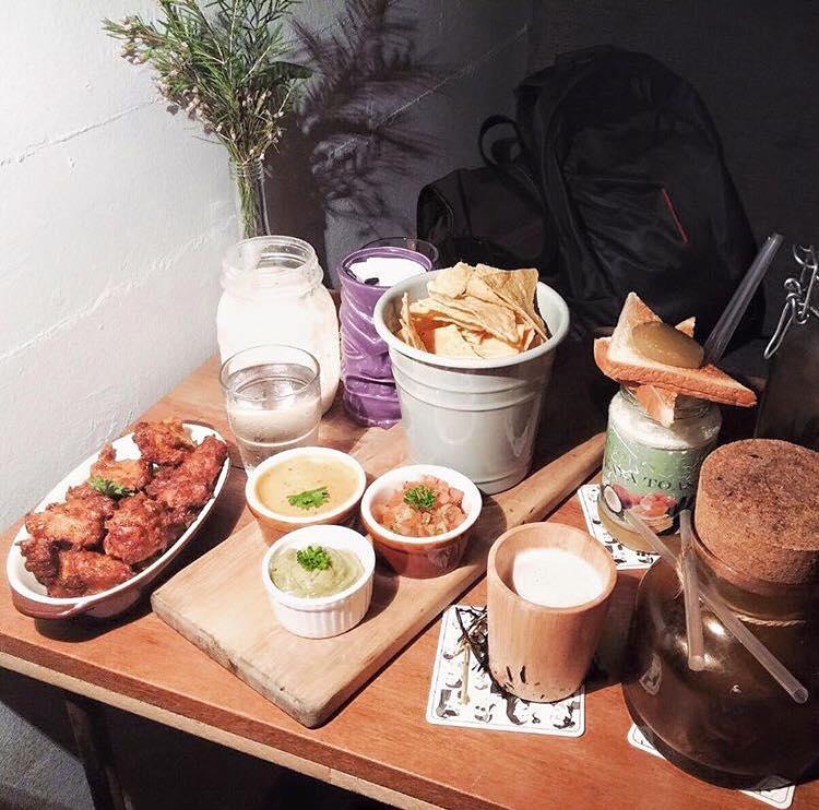 Speakeasy bespoke cocktail bar singapore (4)