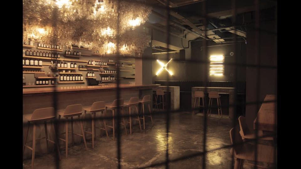 Speakeasy bespoke cocktail bar singapore (6)