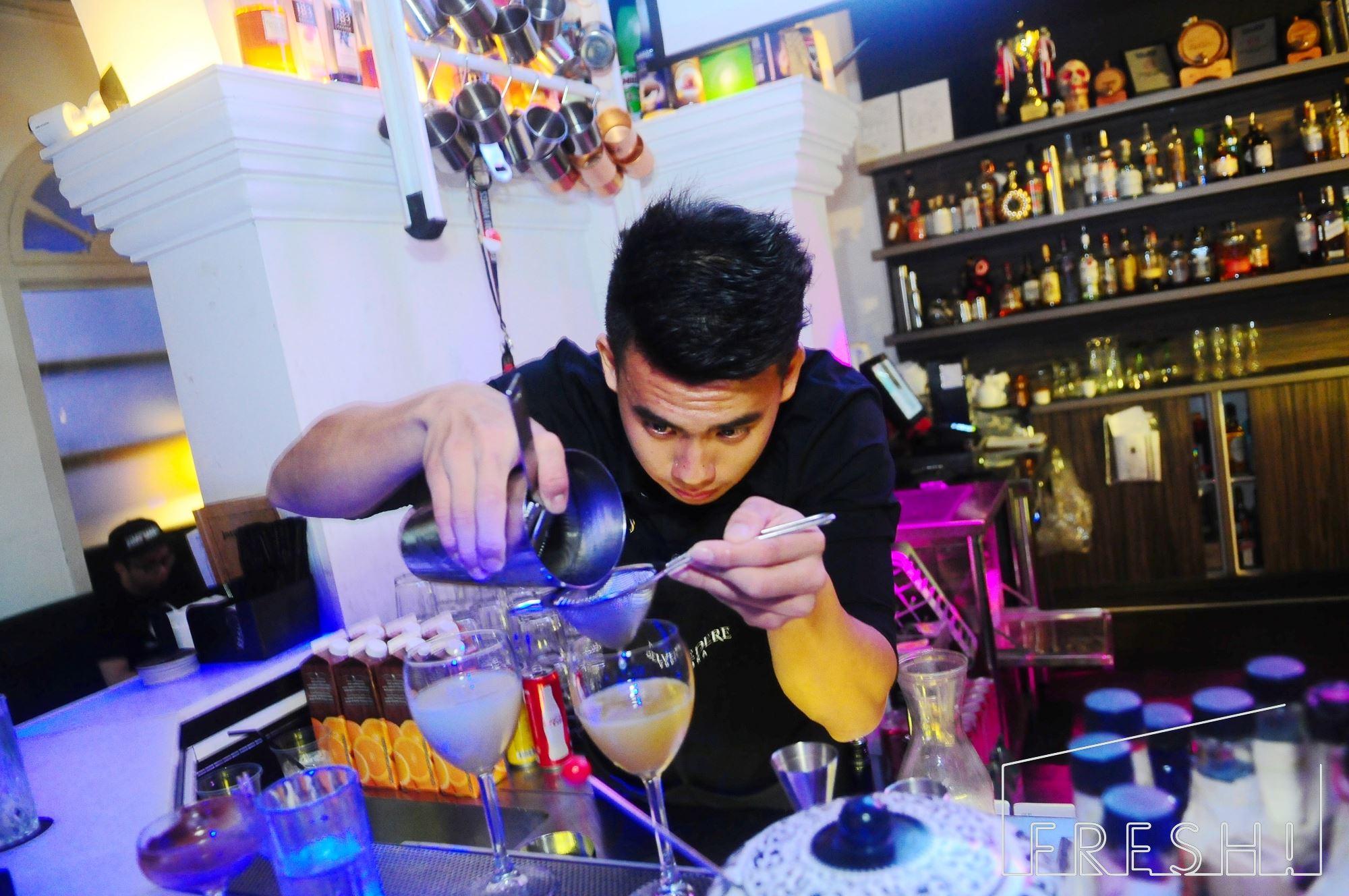 Speakeasy bespoke cocktail bar singapore (9)