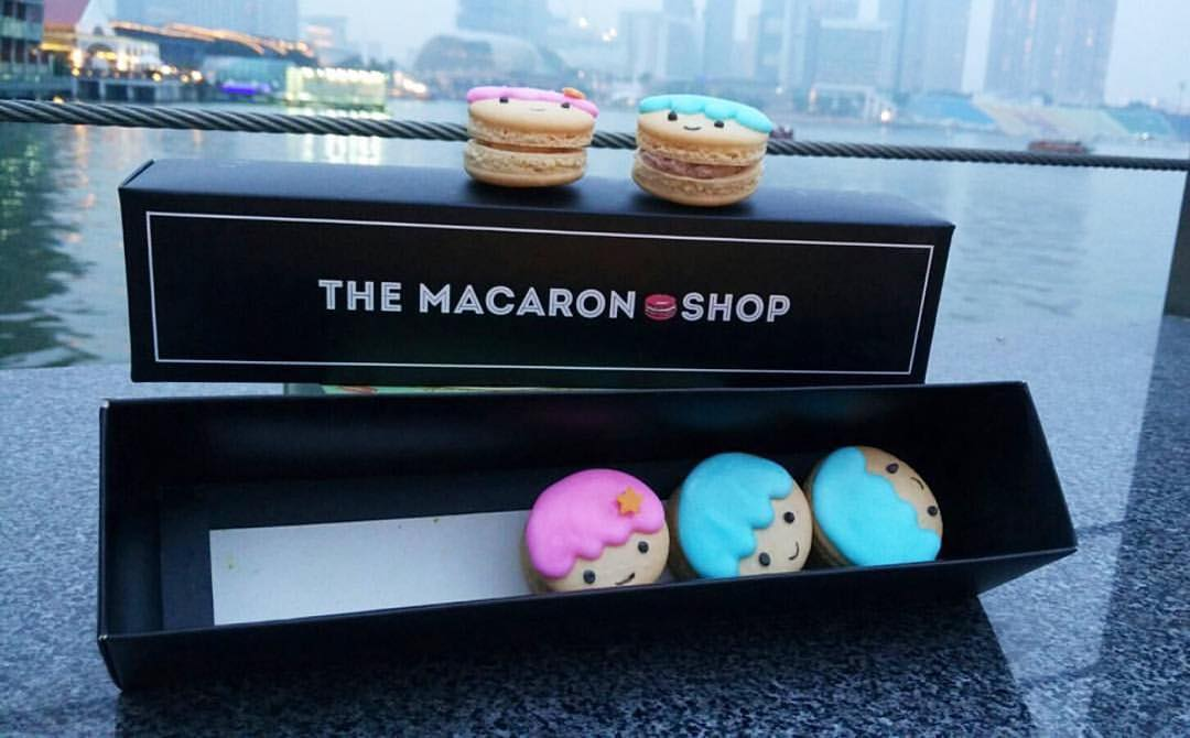 cartoon customisable macarons 10
