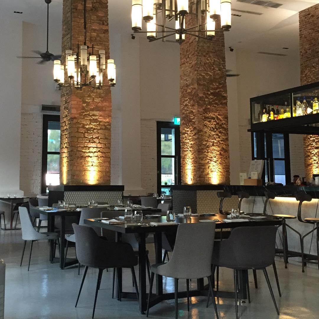 romantic-quiet-restaurants-first-date-19
