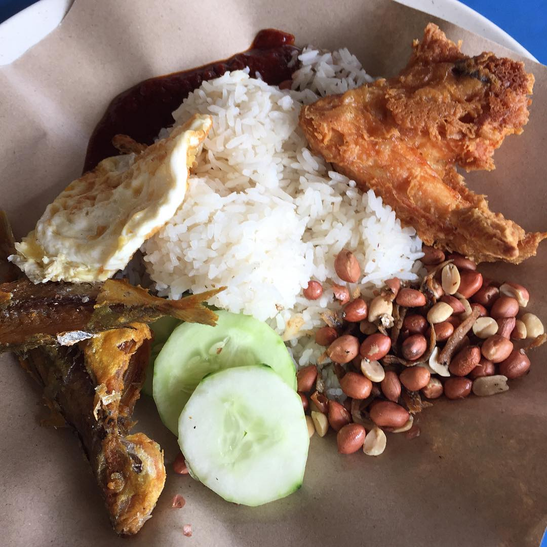 cheap-and-good-nasi-lemak-singapore-8