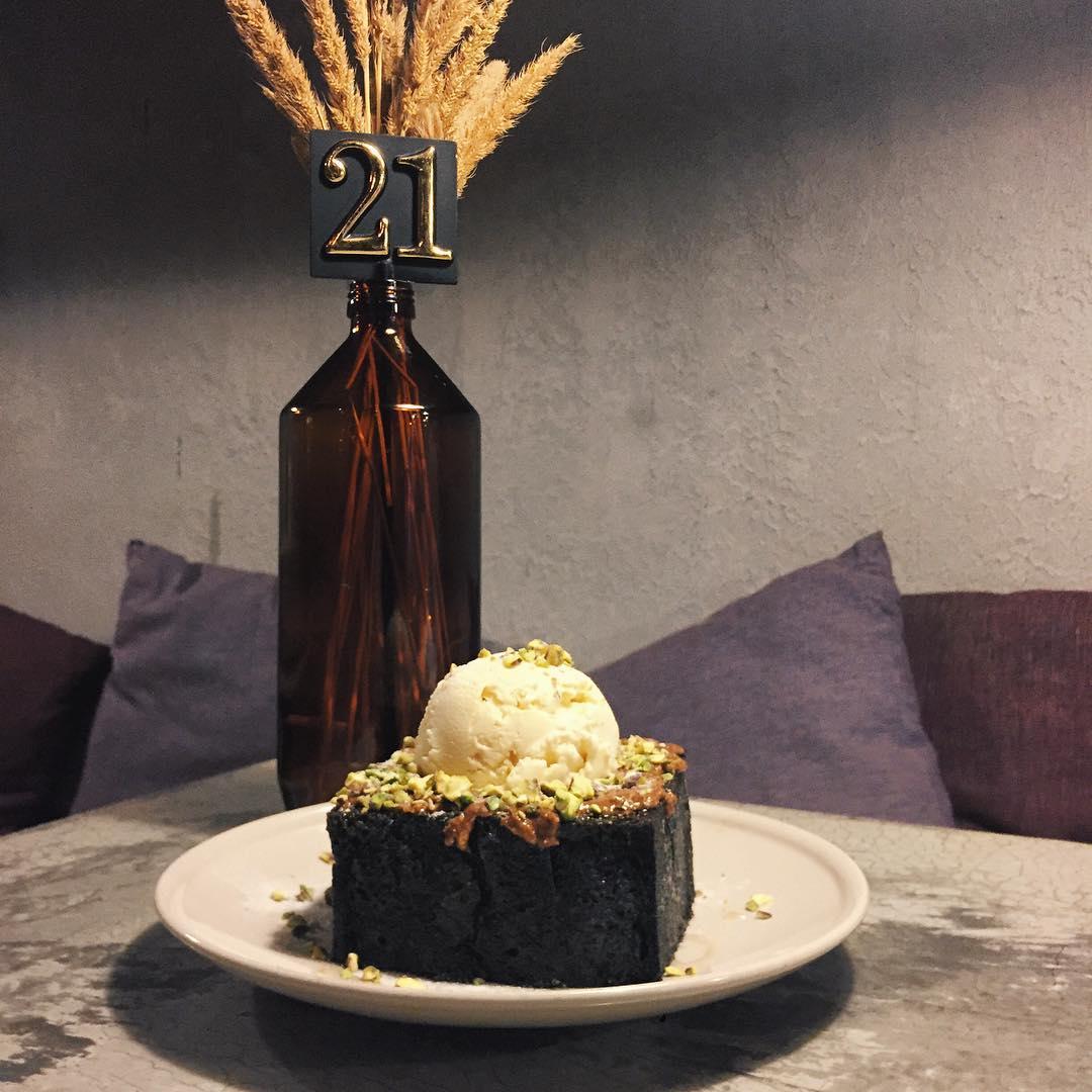 black-food-4
