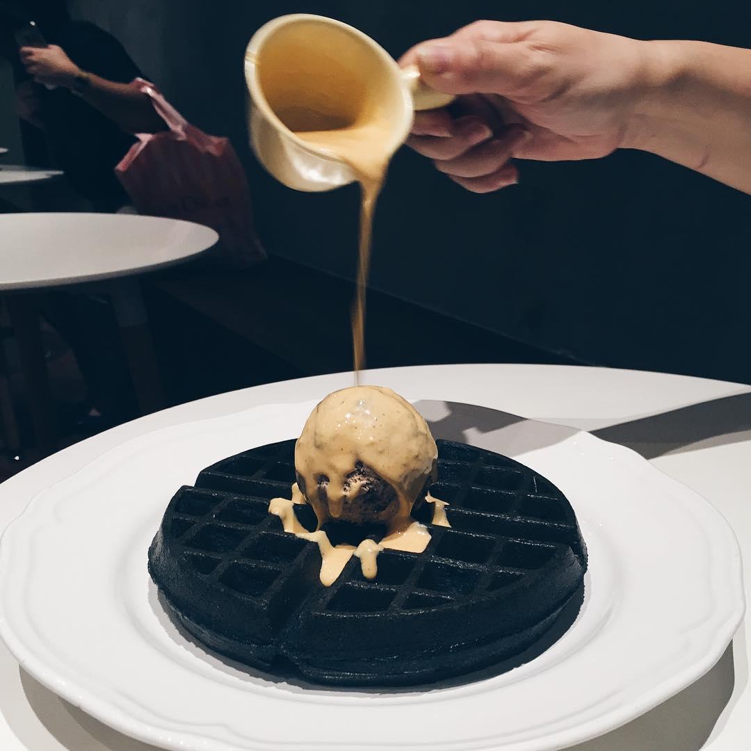 black-food-6
