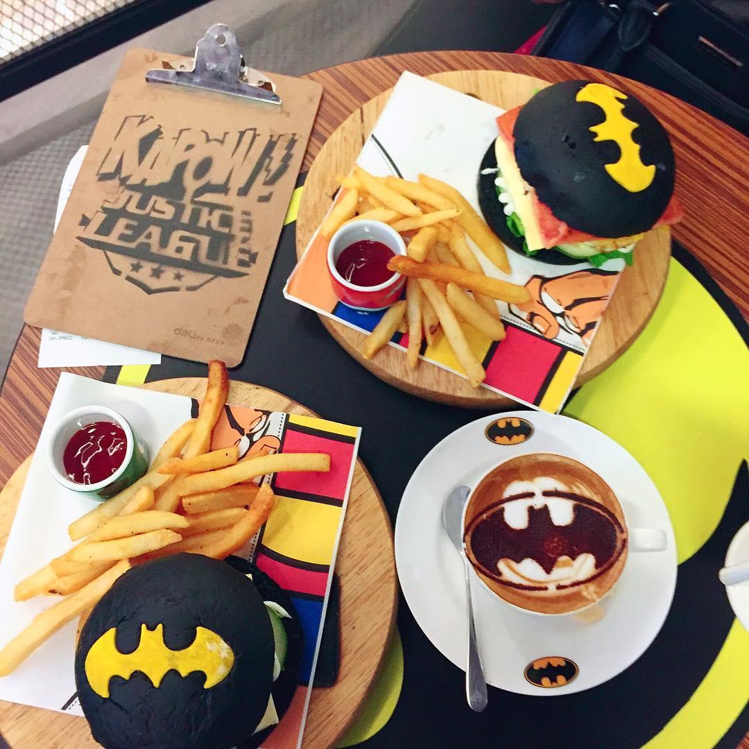 black-food-8