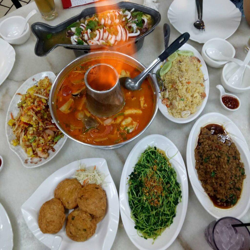 247 restaurants Diandin Leluk Thai Restaurant
