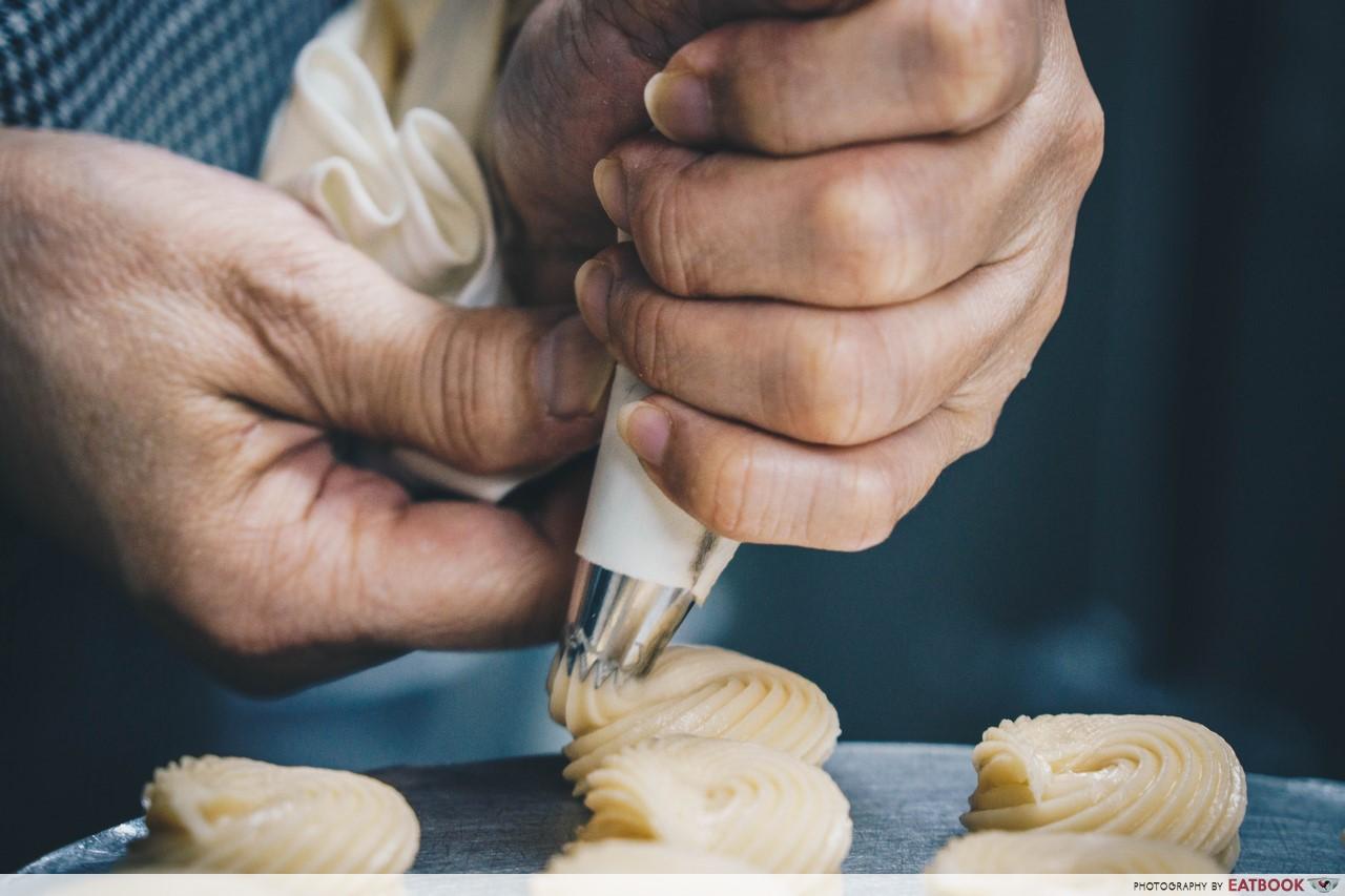 dona manis - cream puff shell