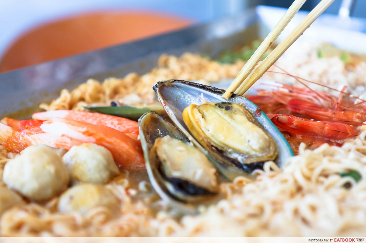 Thai Super Bowl - Mussel