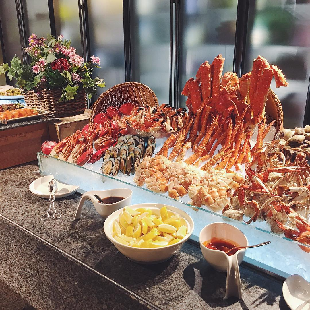 hotel buffets - triple three
