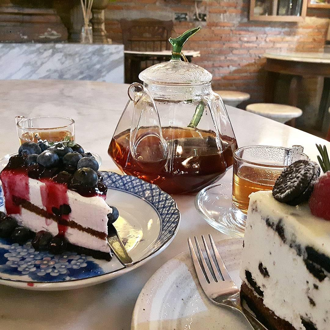 bangkok hipster cafe - puritan food