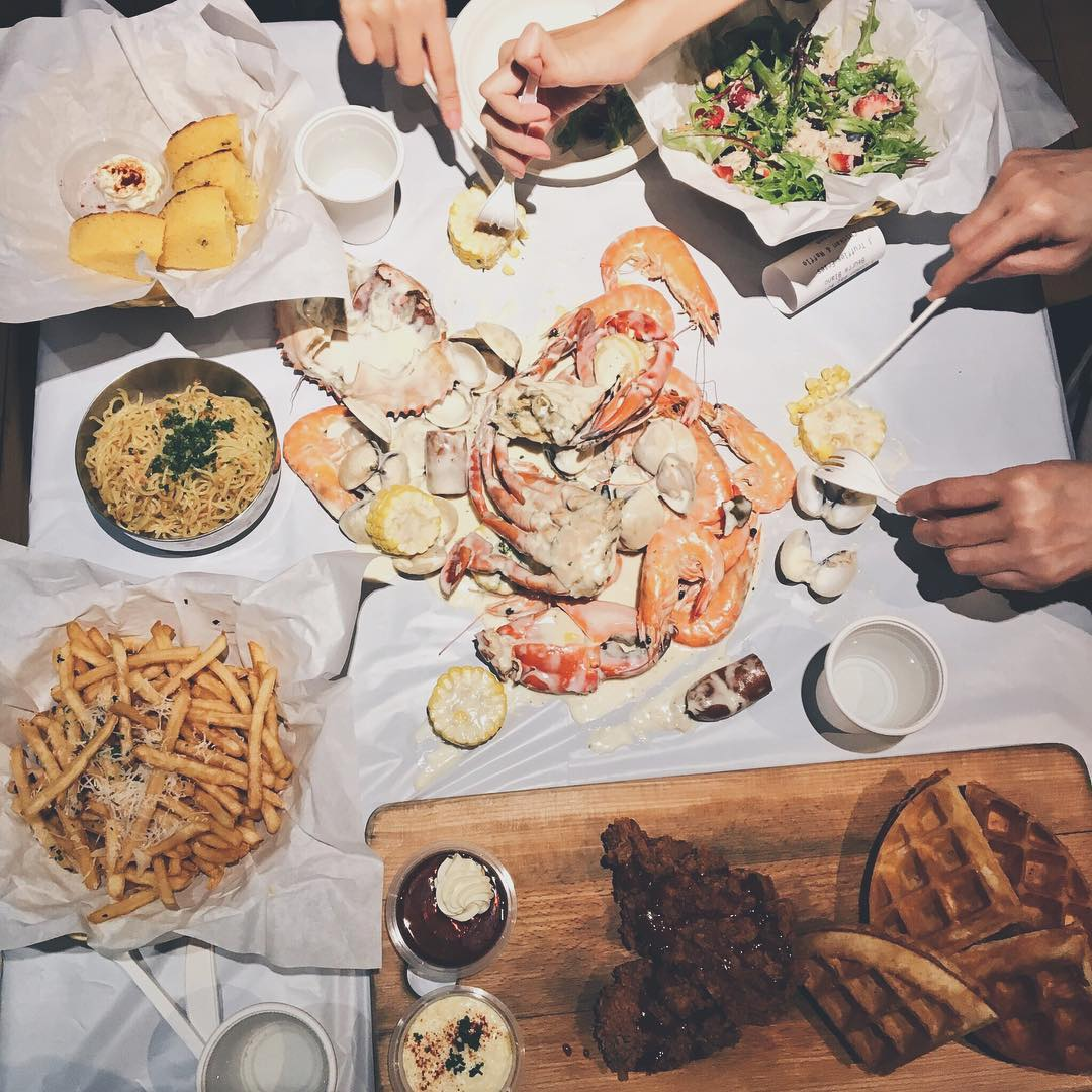 seafood feasts - dancing crab