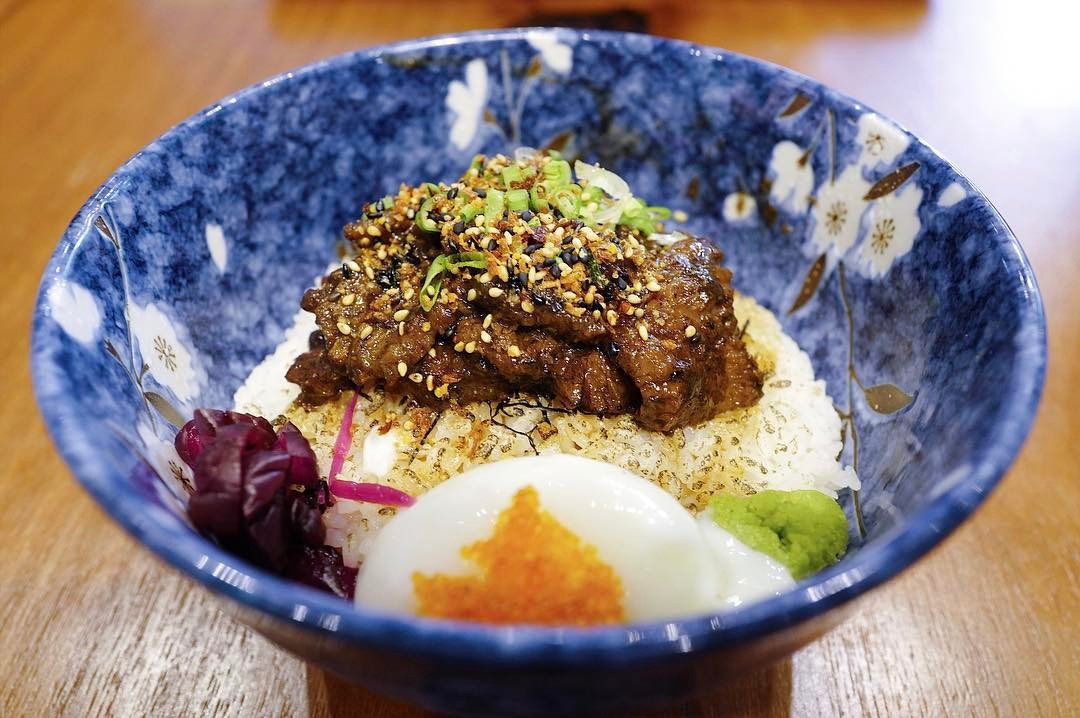 affordable beef donburi - waa cow