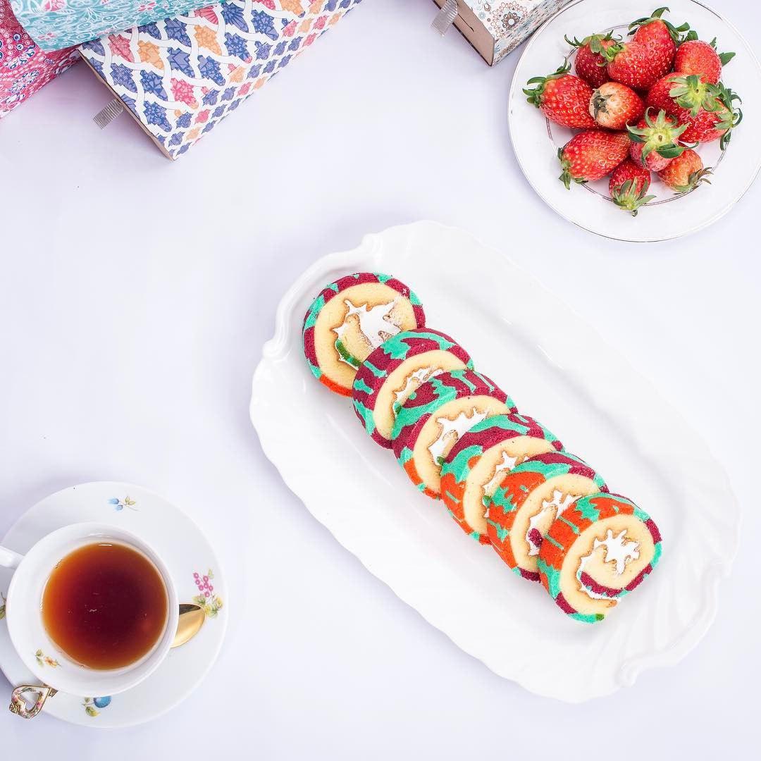 batik roll cakes - slices