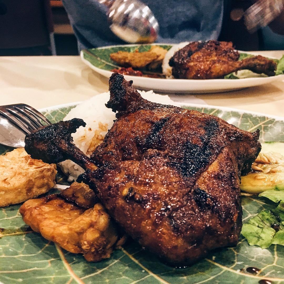 budget halal food - ayam bakar ojolali