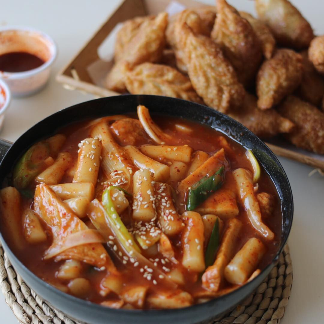 Korean dining practices - tteokbokki