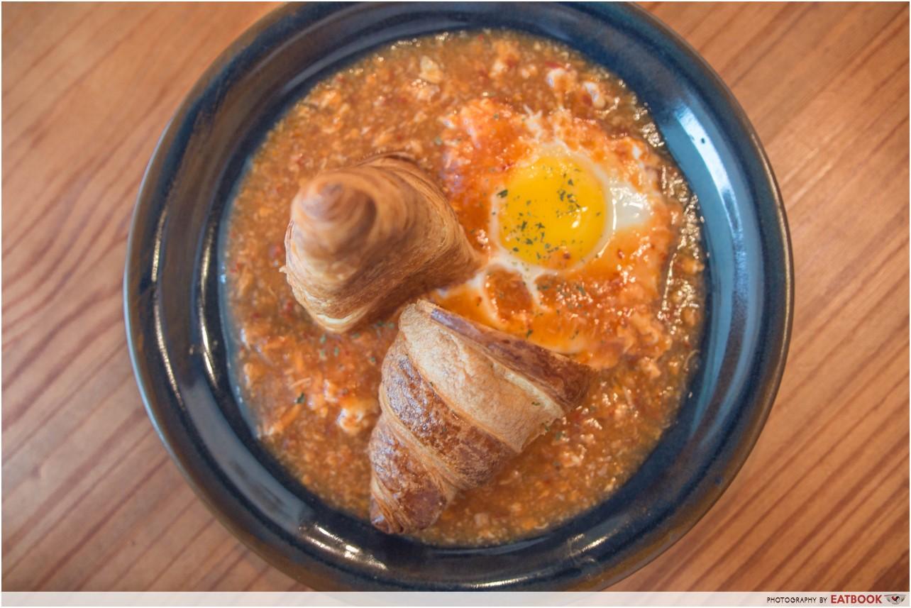 sixbysera - chilli crab coissant 1