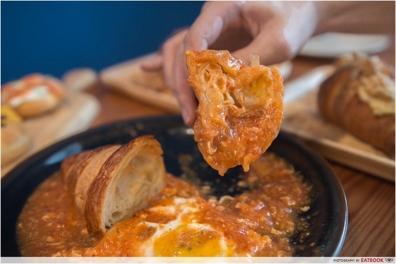 sixbysera - chilli crab croissant