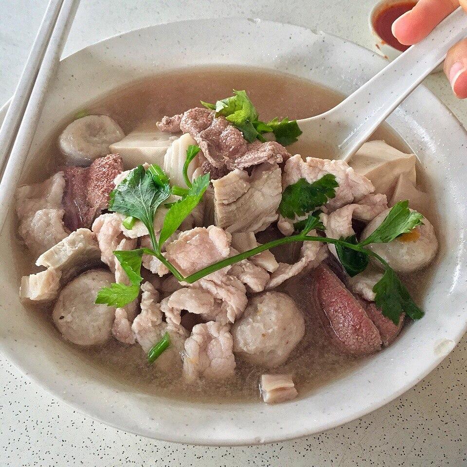 Jalan Besar hawker - pig organ soup
