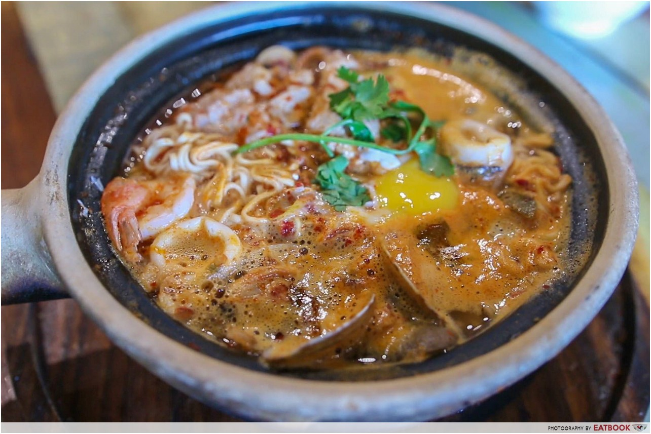 customisable spicy food - tom yum mama