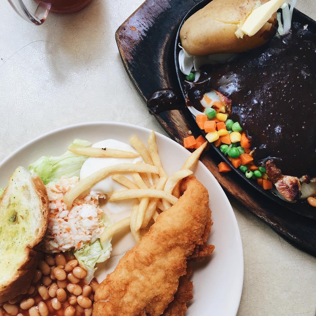 hougang food - 5 star corner western