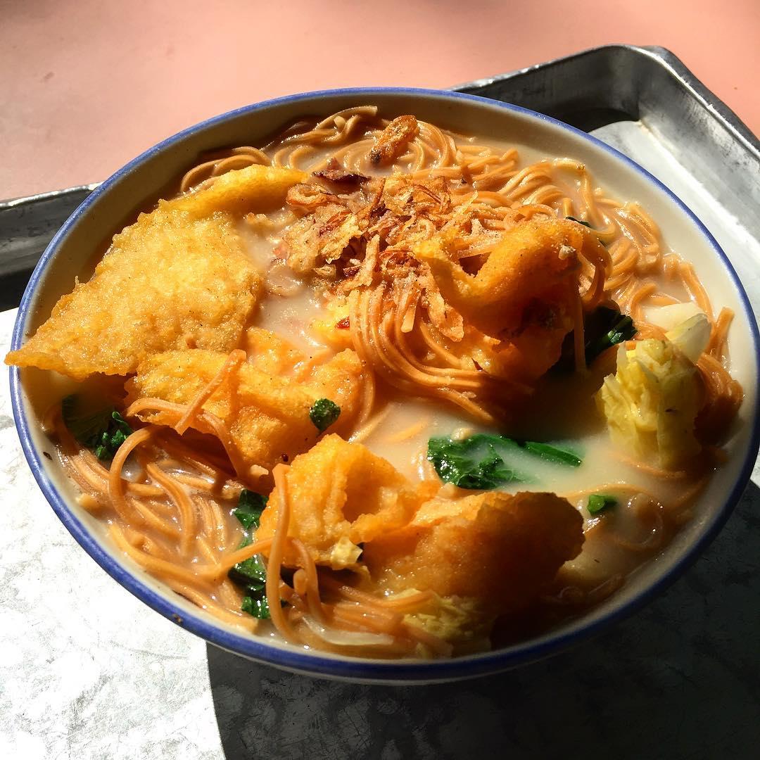 whampoa market - fish noodles