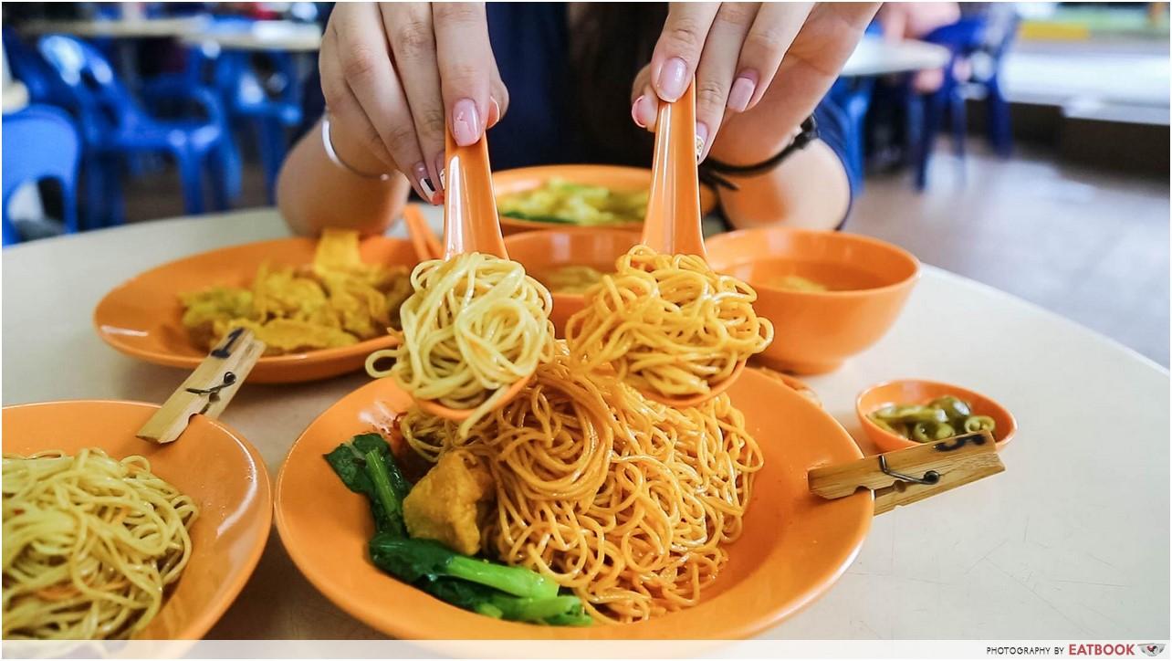 chilli king - noodles colour