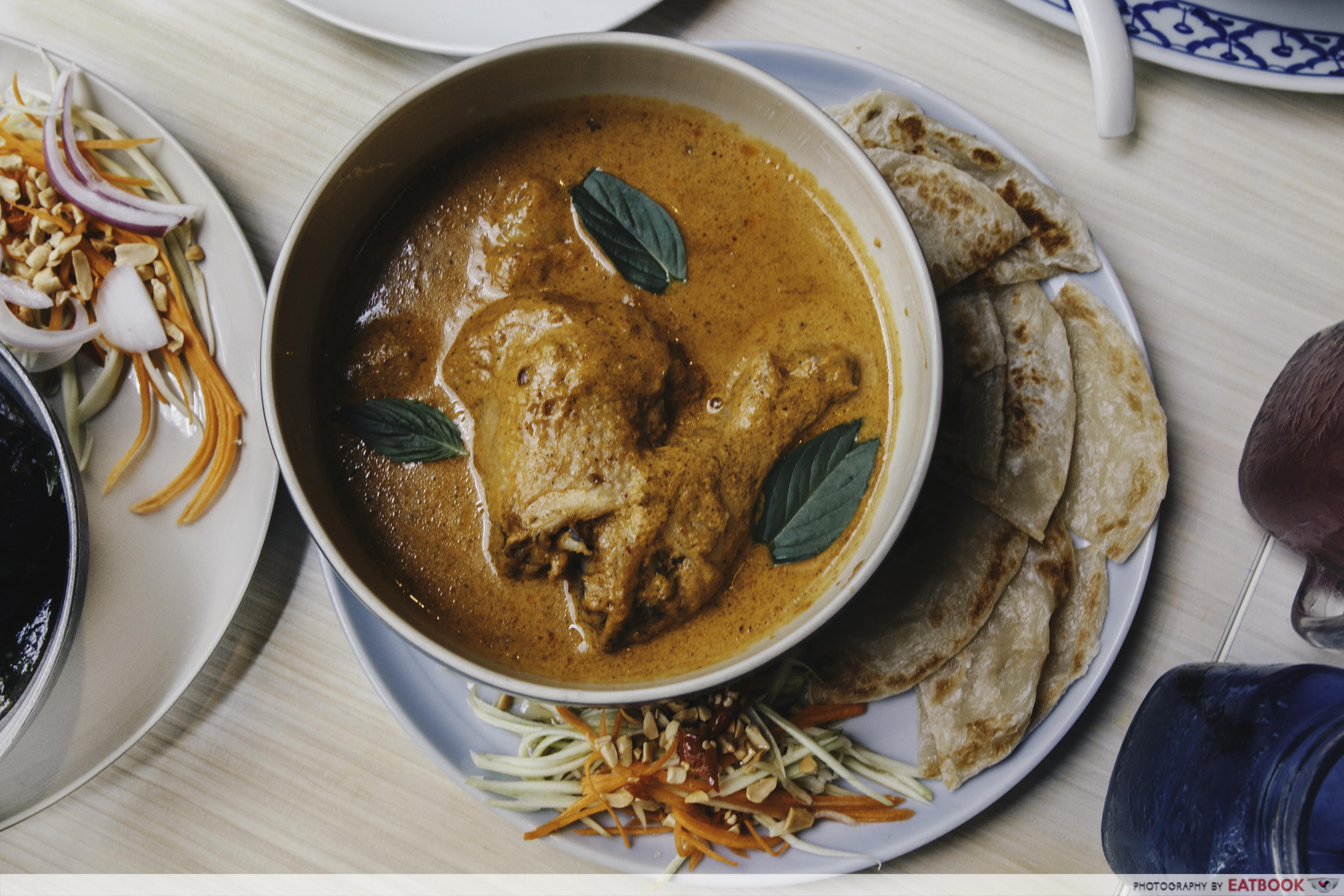 Som Tam - Massaman Curry With Roti