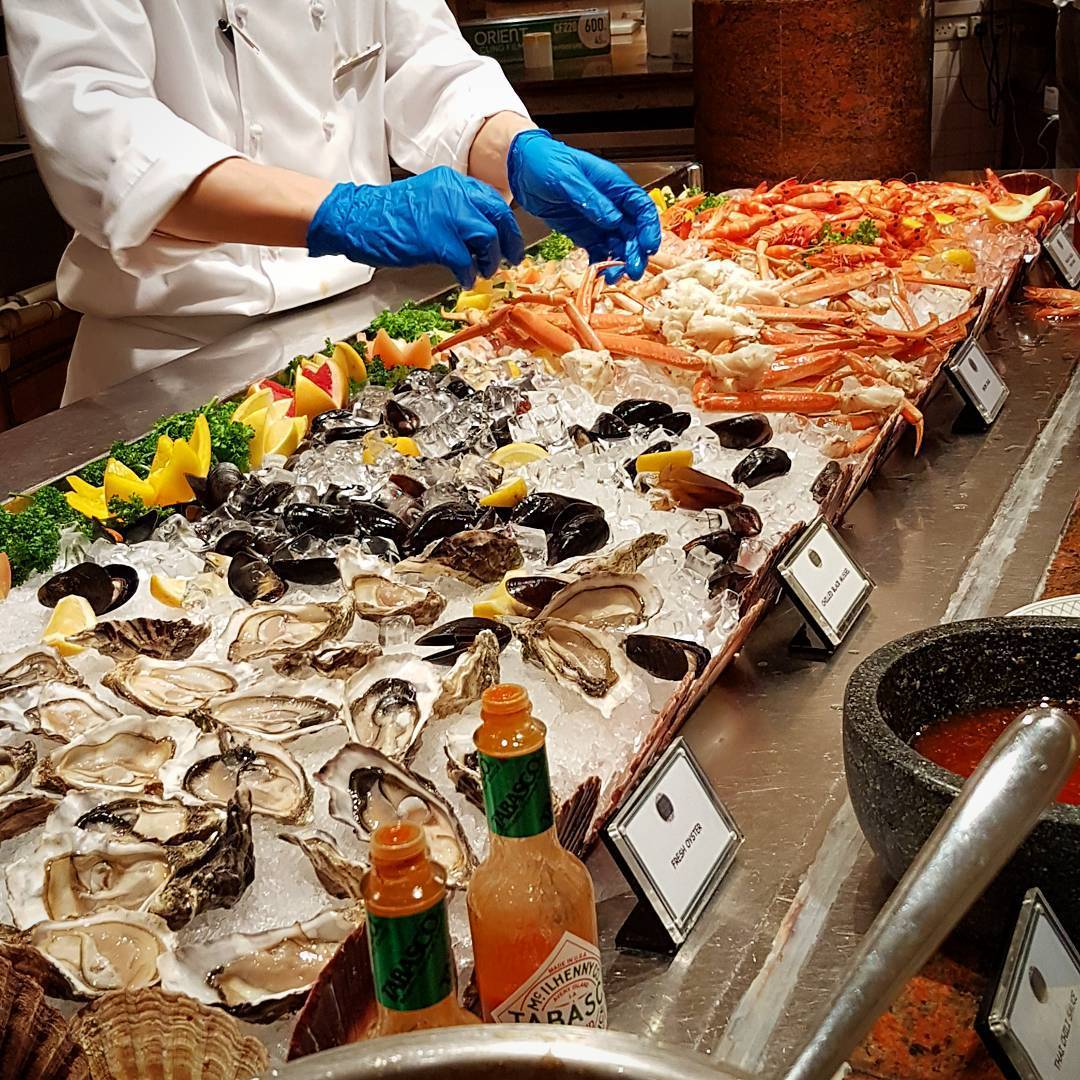 hotel seafood buffet - asian market cafe