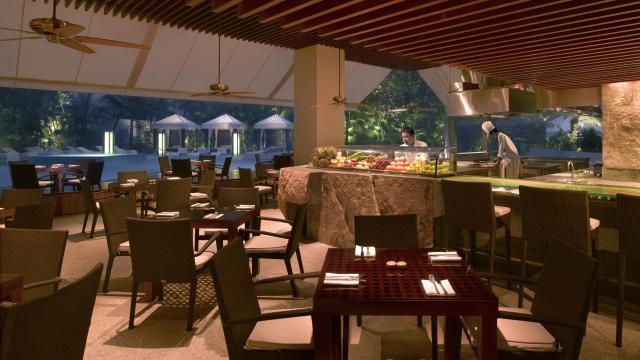 hotel seafood buffet - oasis grand hyatt