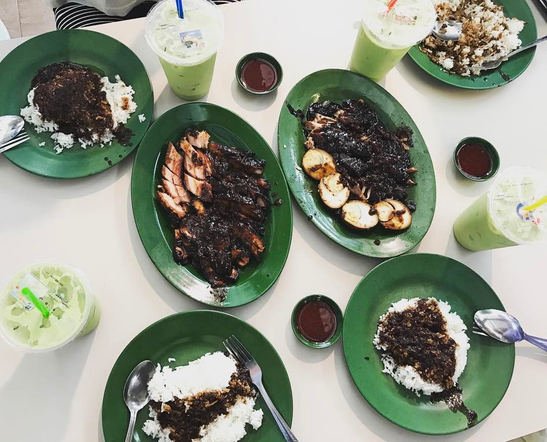 Famous Sio Bak - Lau Phua Chay Authentic Roasted Delicacies