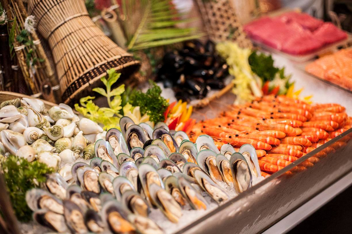 weekday hotel lunch buffets - The Square