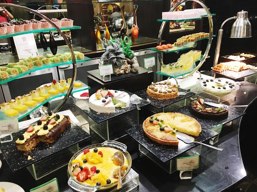 weekday hotel lunch buffets - Tiffany Cafe