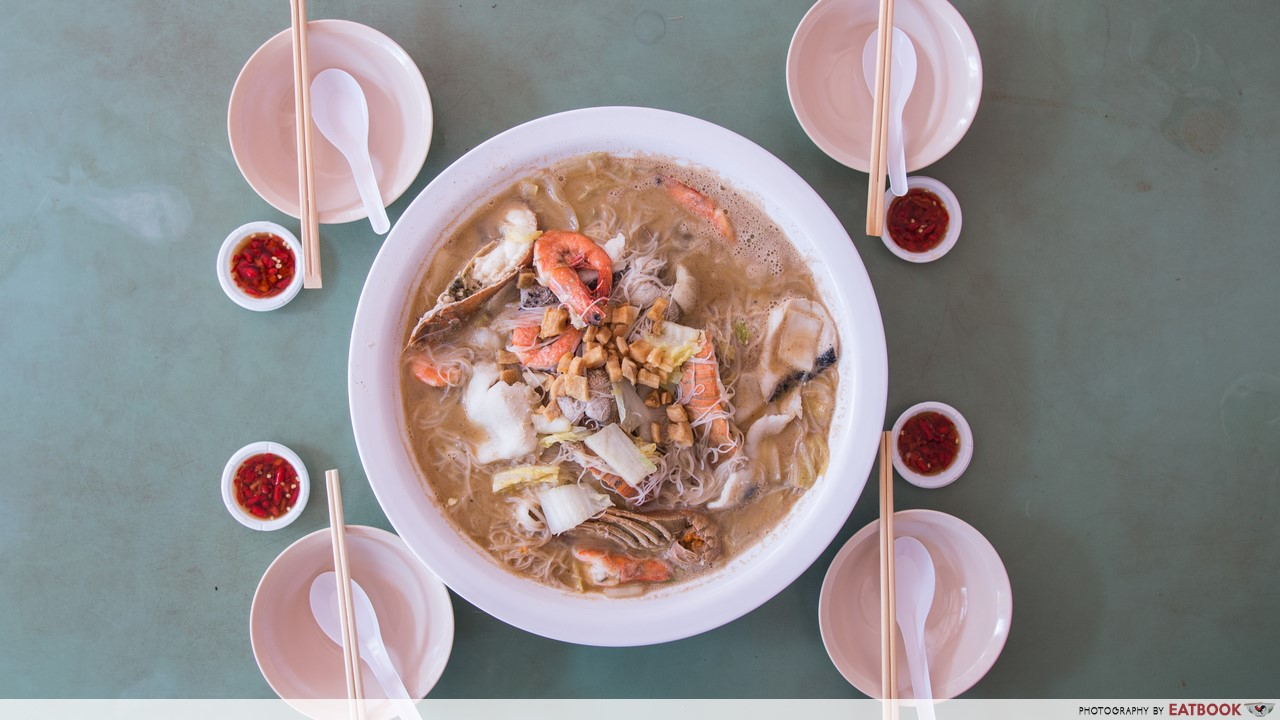 Giant seafood dishes - woon woon
