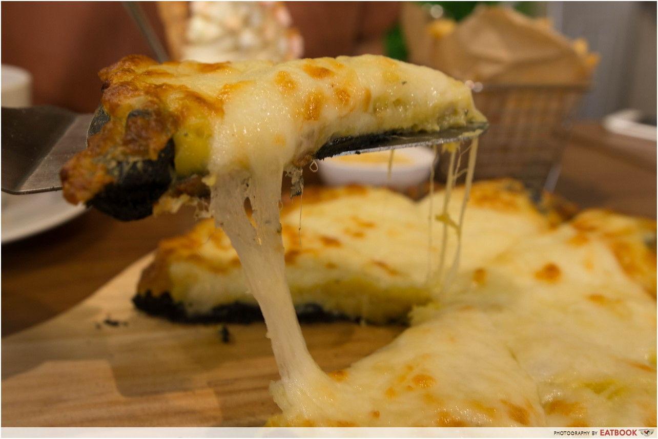 Mao Shan Wang Cafe - durian cheese pull