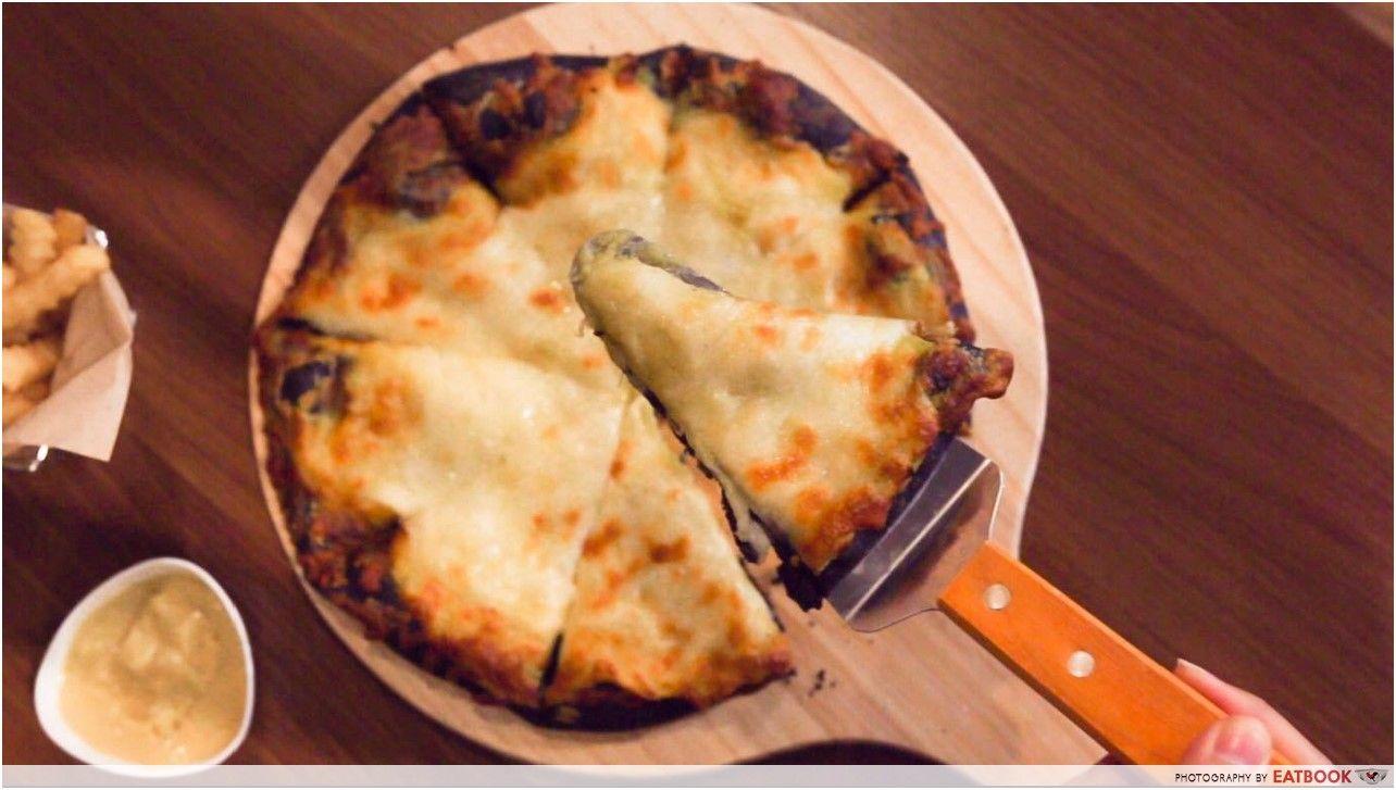 Mao Shan Wang Cafe - durian pizza