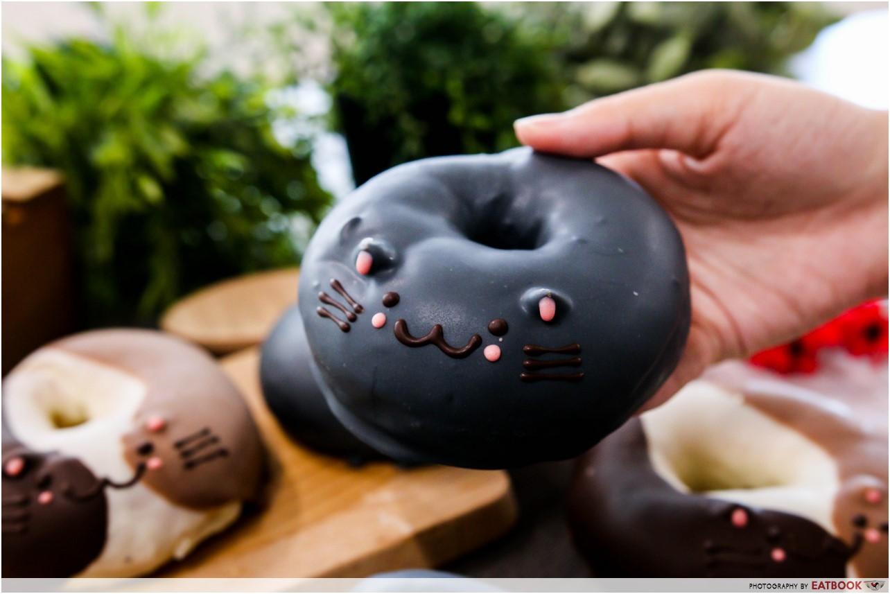 cat donuts - black cat donut