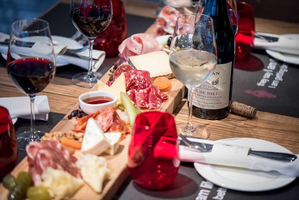 Bencoolen MRT Food Ginett Restaurant & Wine Bar