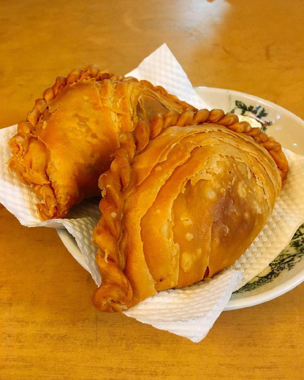 Underrated Curry Puff - Richie's Crispy Puff