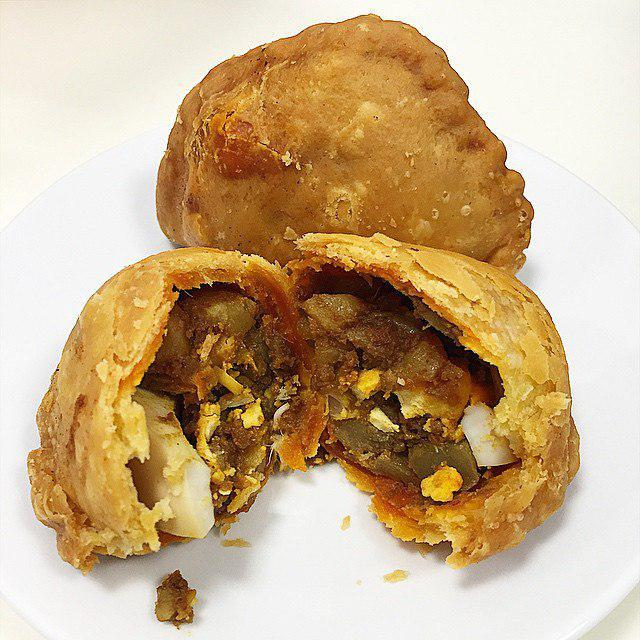 Underrated Curry Puff - Rolina