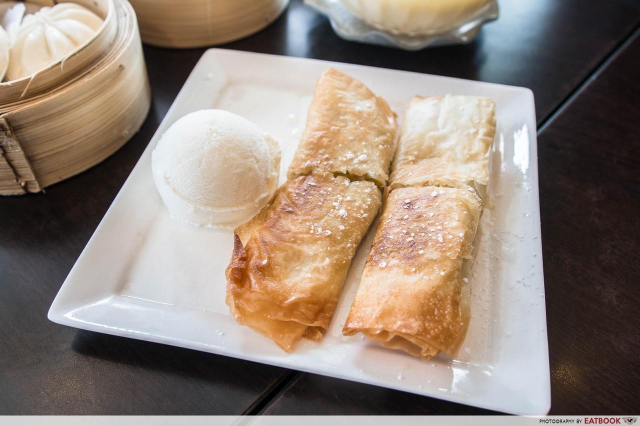 Hong Kong Dessert - Fried Durian Roll with Ice-cream