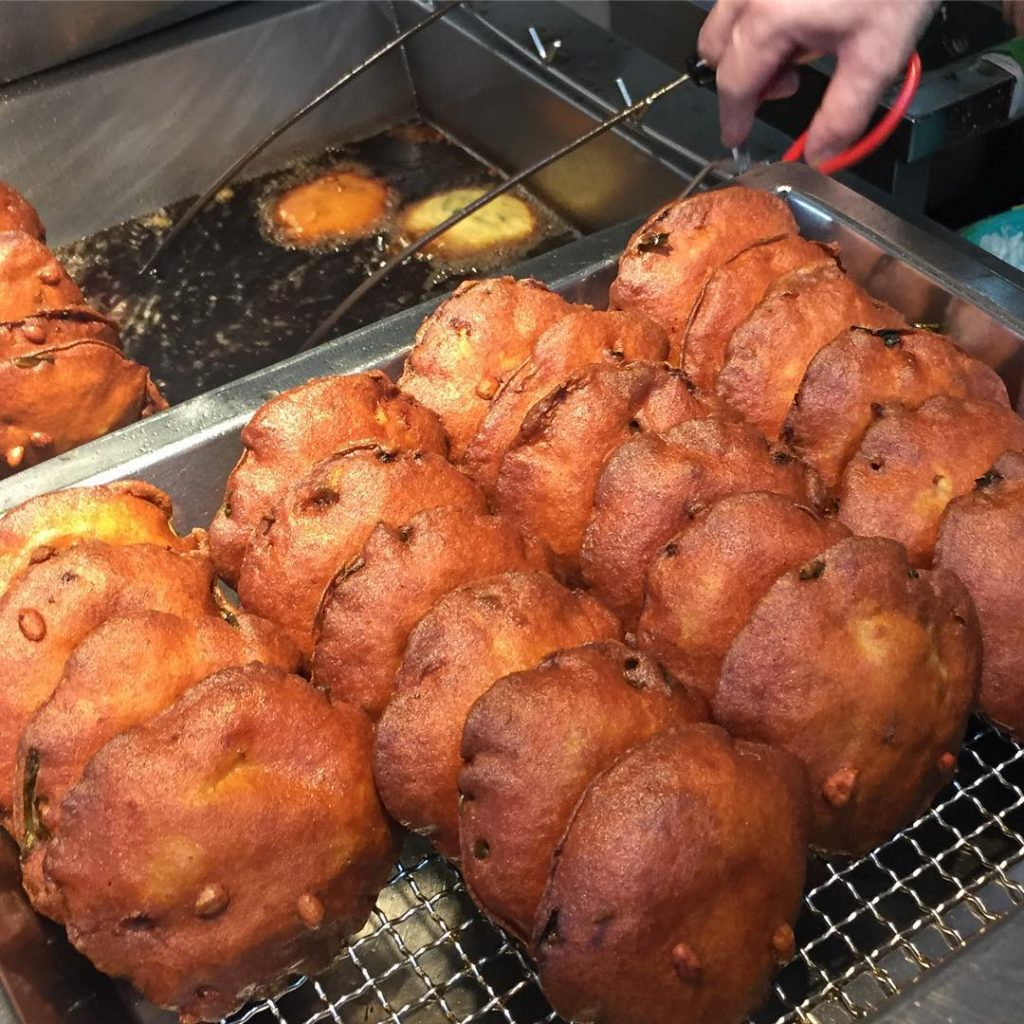 Maxwell Food Centre Maxwell Fu Zhou Oyster Cake