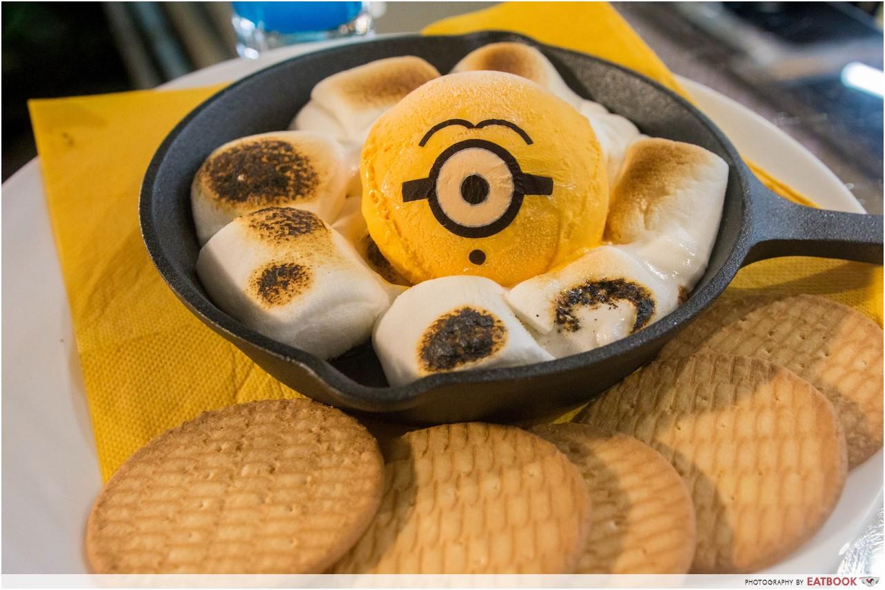 Minions Cafe review - S'more & Minion's Ice Cream