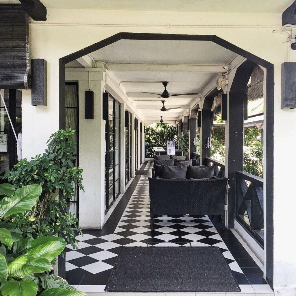 Prettiest Restaurant Storefront UOB YOLO Masons