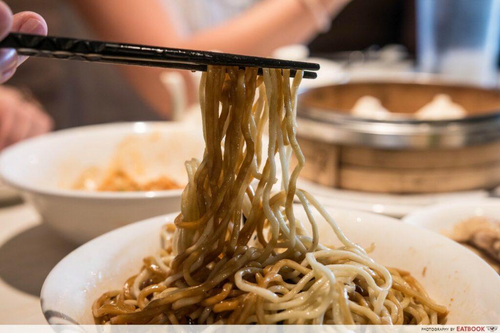 ding tele - noodles close up