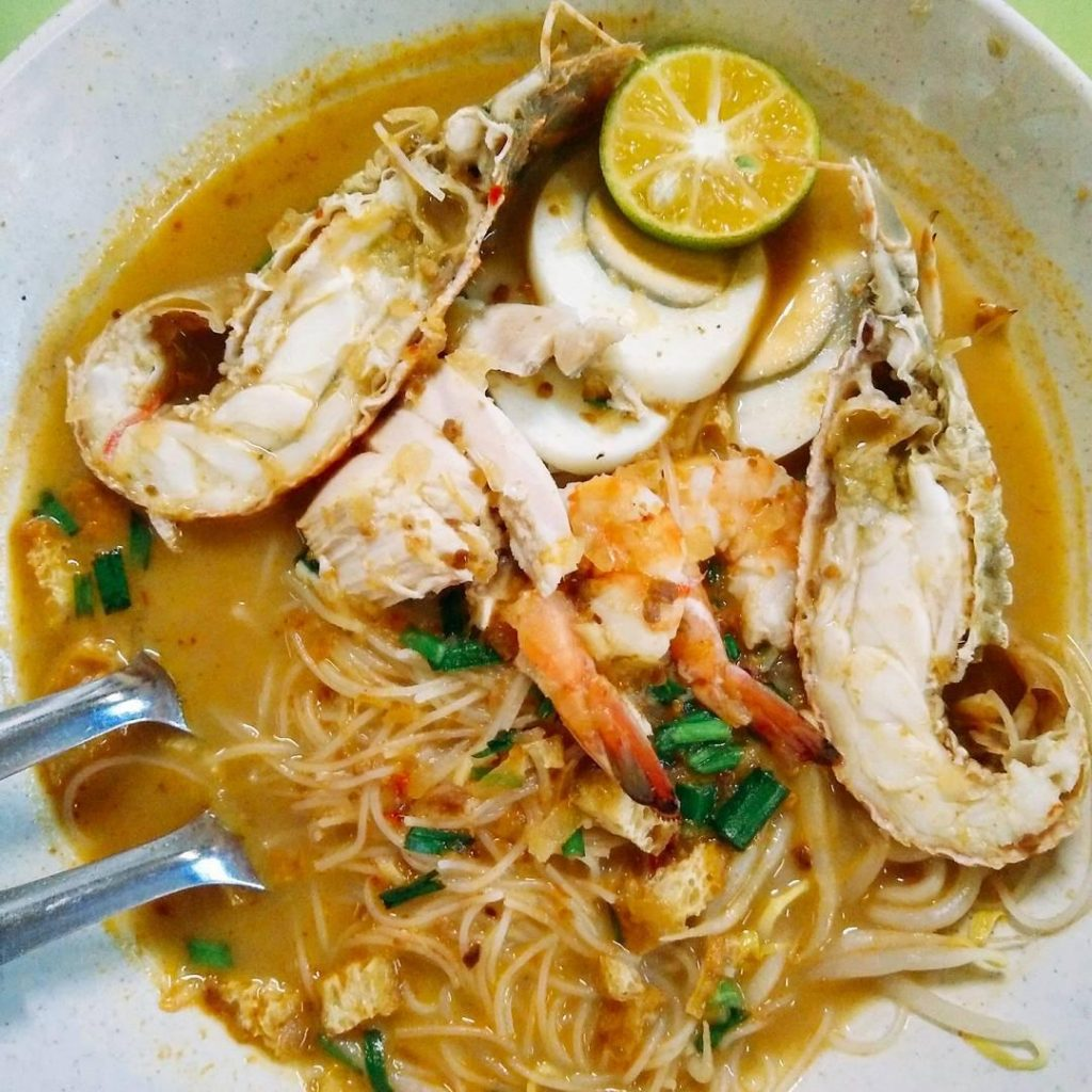 Atas Hawker Food Under $8 - Famous Sungei Trishaw Laksa