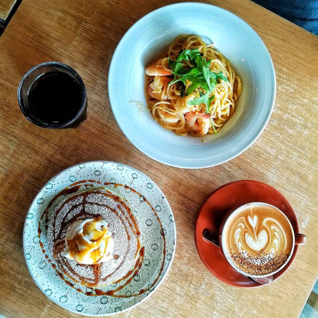 Rustic cafes - tolidos espresso nook