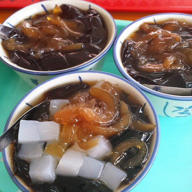 traditional Chinese dessert - zao an granny-min