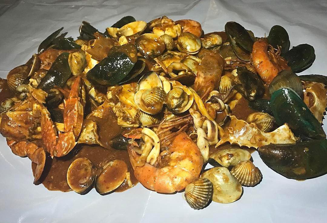 Halal Seafood Bucket - Kampong Chai Chee Restaurant